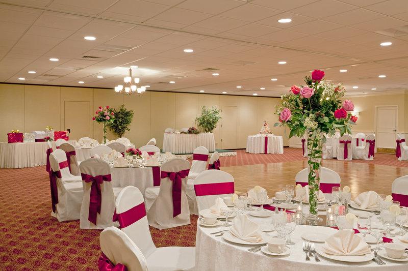 Holiday Inn Hotel & Suites Marlborough BallRoom