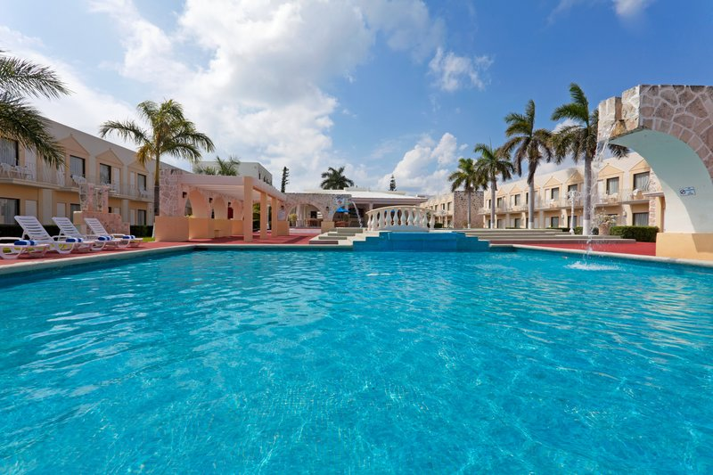 Holiday Inn Express Cancun Zona Hotelera Pool