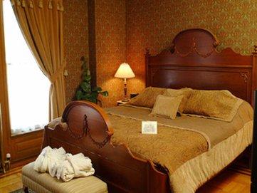 Nagle Warren Mansion - Erasmus Nagle Room IL