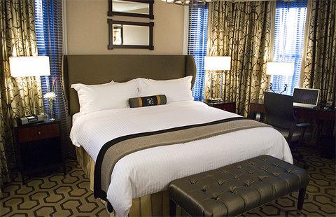 Courtyard Boston Copley Square - Copley Square Hotel Guestroom  Premier Edge