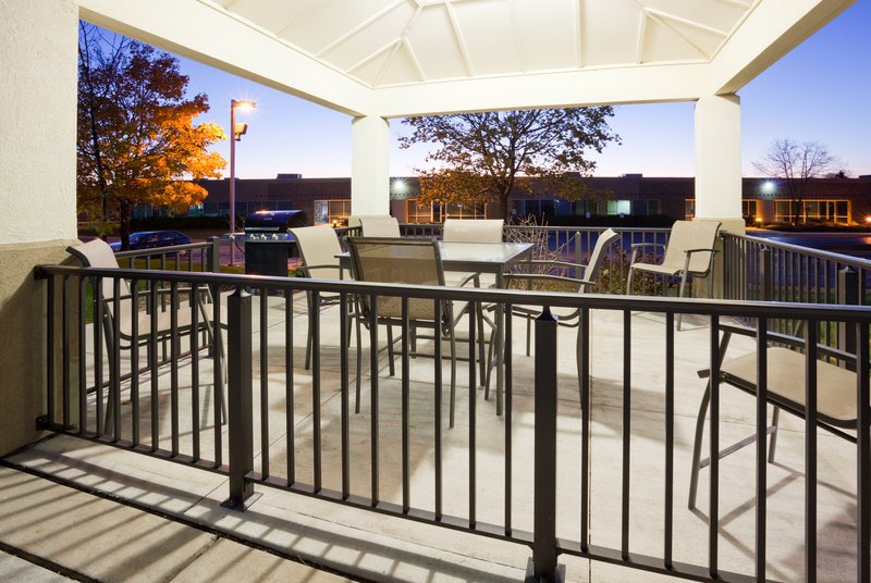 Candlewood Suites Milwaukee N-Brown Deer/Mequon Outros