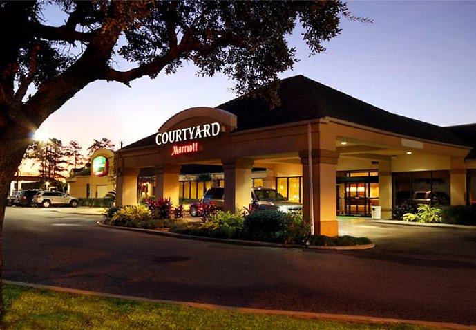Courtyard Houston I-10 West Set udefra