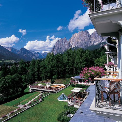 Cristallo Hotel Spa and Golf - Summer Exterior View
