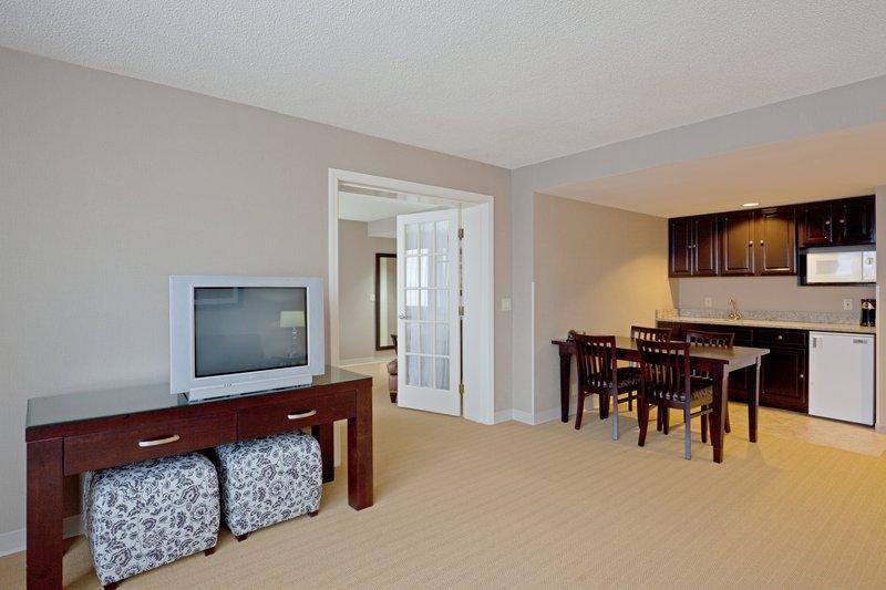 Holiday Inn Hotel & Suites Marlborough Suite