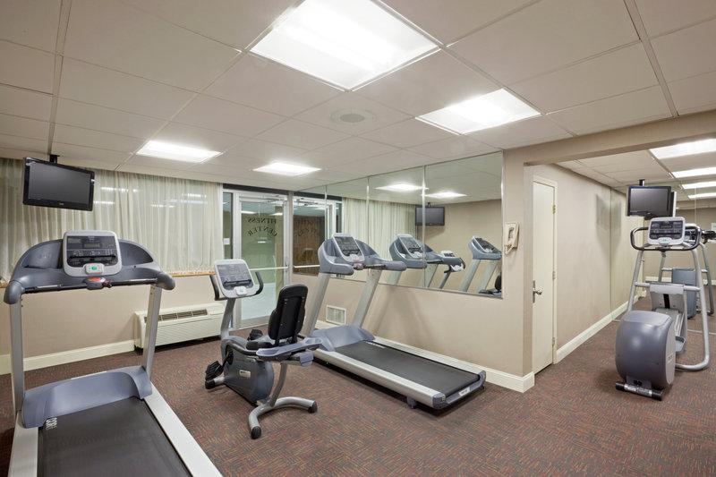 Holiday Inn Hotel & Suites Marlborough Fitness