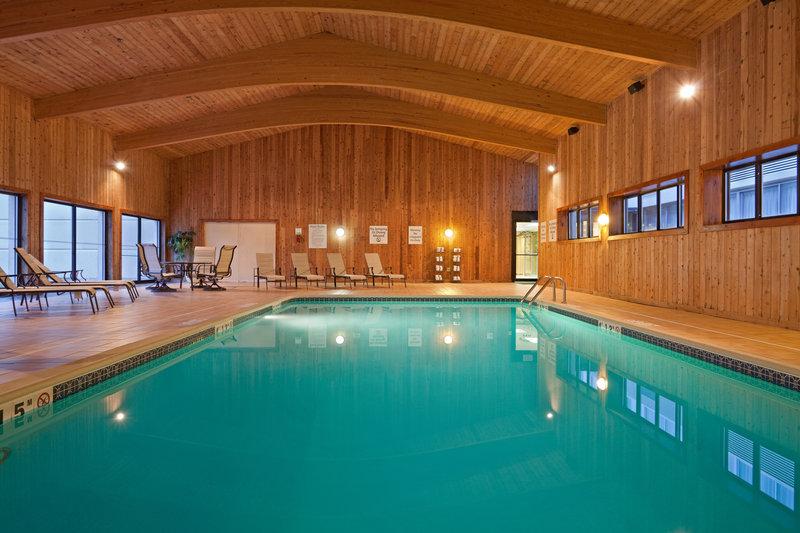 Holiday Inn Hotel & Suites Marlborough Piscine