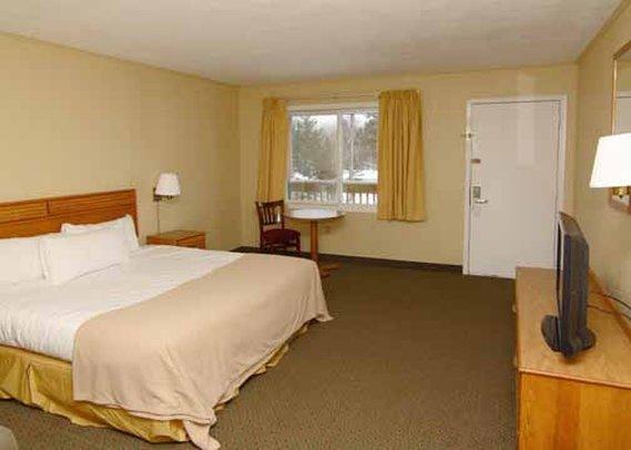 Econo Lodge Inn & Suites Wetmore - Wetmore, MI