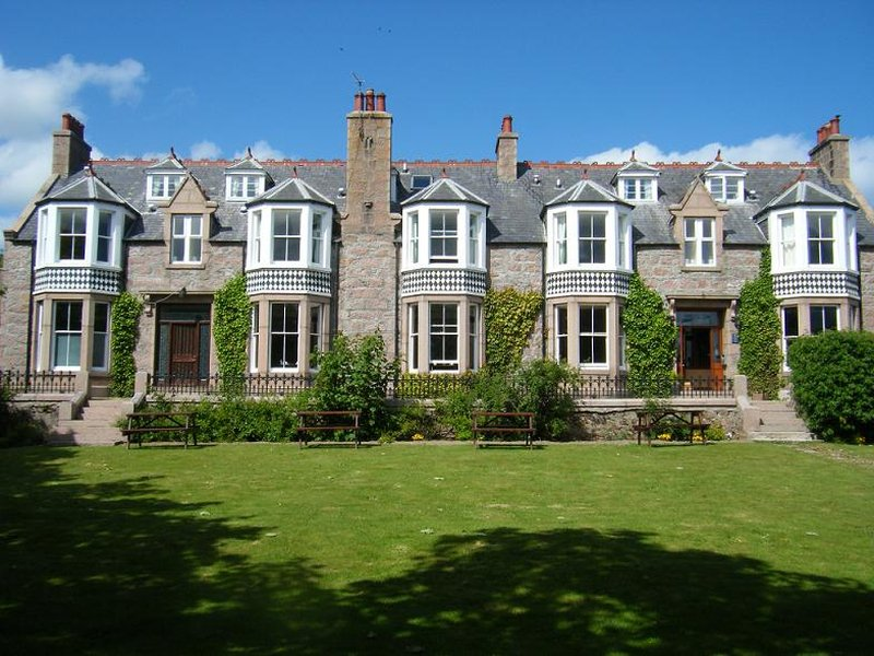 Kilmarnock Arms Hotel Set udefra