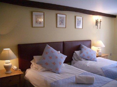 White Hart Inn - Bedroom