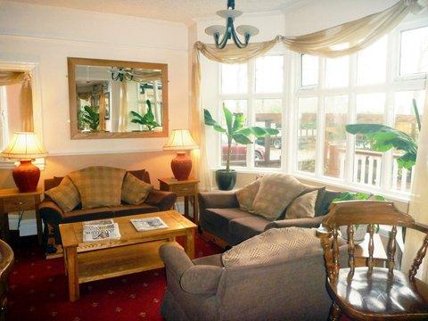 Alton Lodge - Lounge