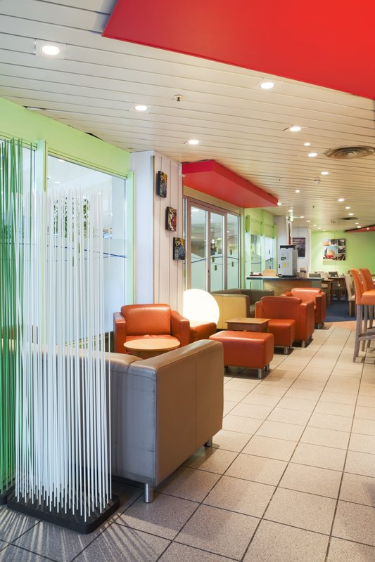 Holiday Inn Express Amiens Lobby