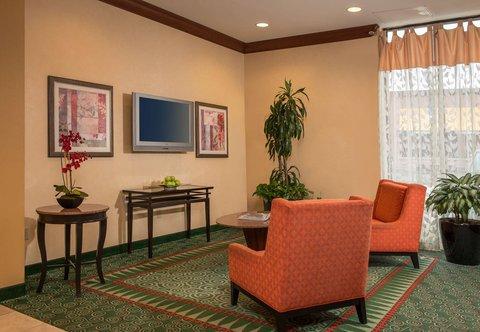 Courtyard Gaithersburg Washingtonian Center - Lobby Seating Area