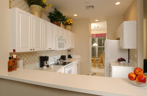 GreenLinks Golf Villas at Lely Resort, Ascend Hotel - Kitchen
