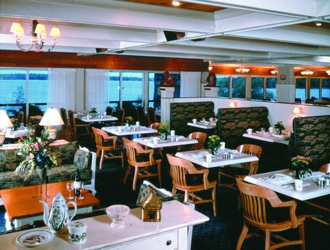 Arrowwood Resort - Lake Cafe