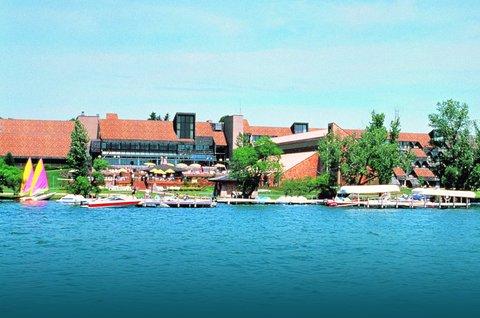 Arrowwood Resort - Lake