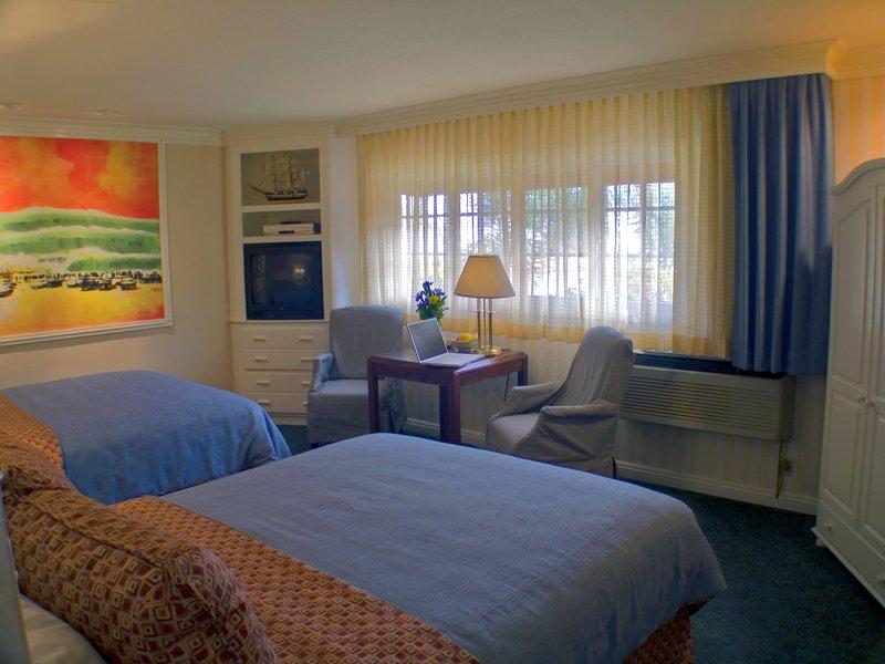 Bay Shores Peninsula Hotel - Newport Beach, CA