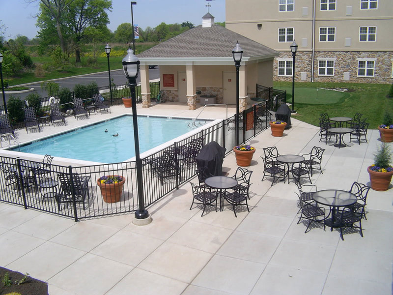 Homewood Suites by Hilton Philadelphia-Valley Forge Vista da piscina