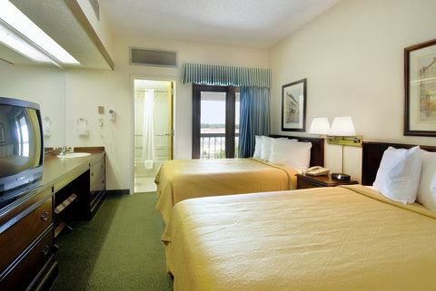 Quality Suites Convention Center Hotel - Standard Double