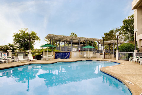 Quality Suites Convention Center Hotel - Outdoor Pool