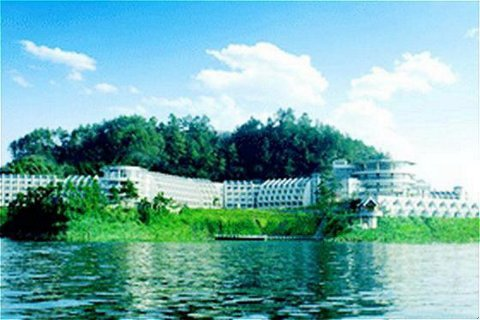 Tachee Island Holiday Hotel - The Hotel