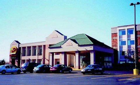 Detroit Airport Plaza Hotel - Romulus, MI