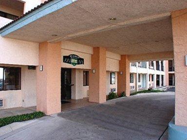 Hallmark Inn - San Antonio, TX