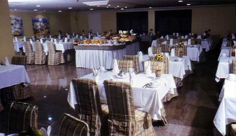 Roochelle Corporate - Dining