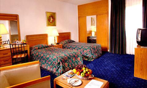 Golden Tulip Dalma Suites Hotel - Suites