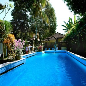 Diwangkara Holiday Villa Beach Resort & Spa - Swimming Pool