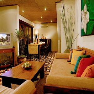 Diwangkara Holiday Villa Beach Resort & Spa - Antara Villa Lounge Dining