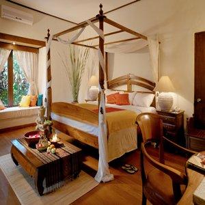 Diwangkara Holiday Villa Beach Resort & Spa - Deluxe Pool Villa Bedroom