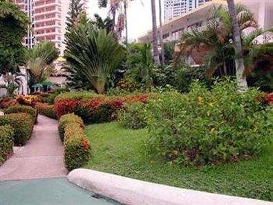 El Tropicano Hotel - Exterior
