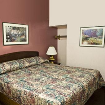 Royal Relax Inn - East Saint Louis, IL