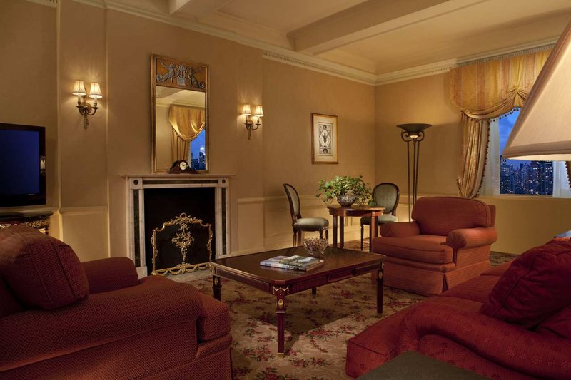 New York Waldorf Astoria Suite
