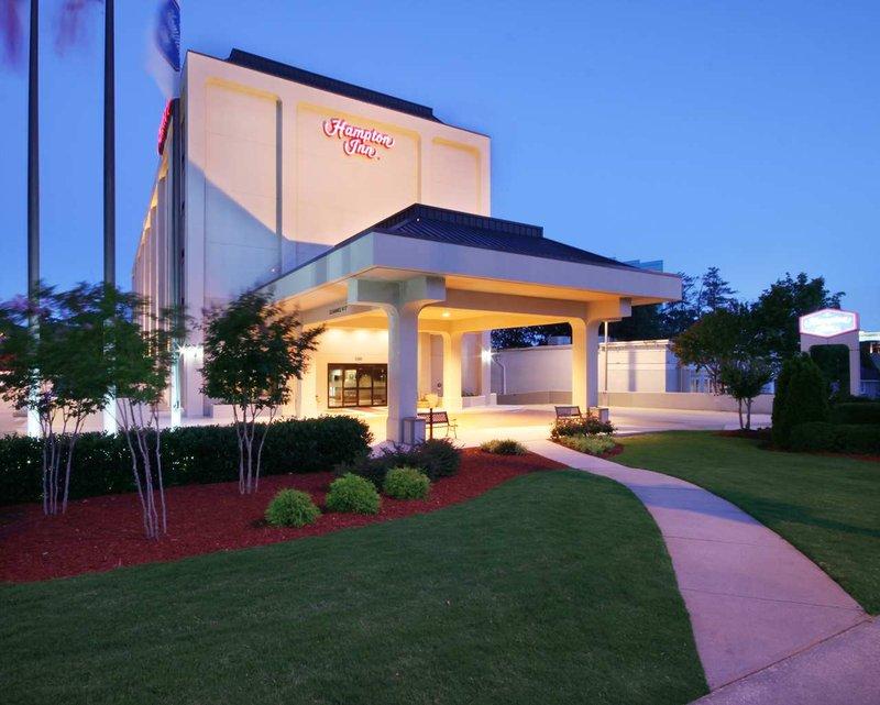 Hampton Inn Atlanta-Buckhead Vista exterior