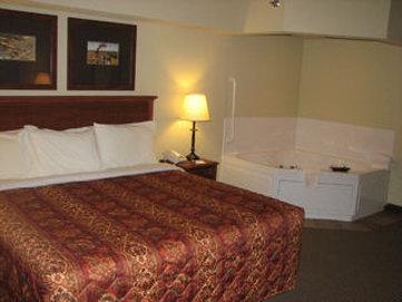 Borger Ambassador Inn - Guest Room