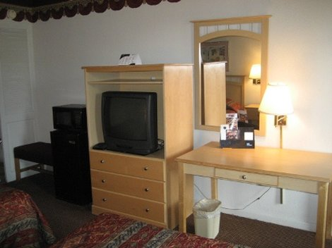 Augusta Budget Inn - Room