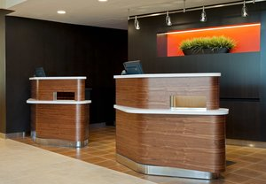 Lobby - Courtyard by Marriott Hotel Elmhurst