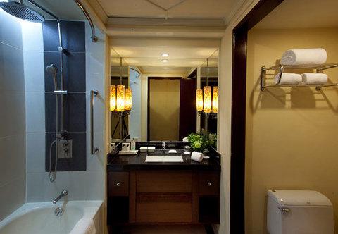 Cebu City Marriott Hotel - Guest Bathroom