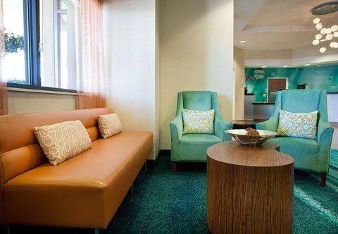 SpringHill Suites Los Angeles LAX/Manhattan Beach - Lobby Sitting Area