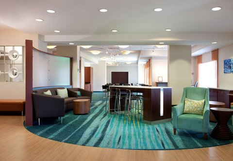 SpringHill Suites Los Angeles LAX/Manhattan Beach - Lobby Lounge