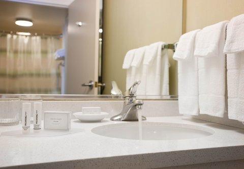 SpringHill Suites Los Angeles LAX/Manhattan Beach - Guest Bathroom Vanity