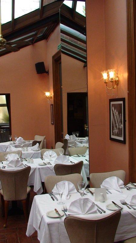 Harefield Manor Hotel Bar/salón