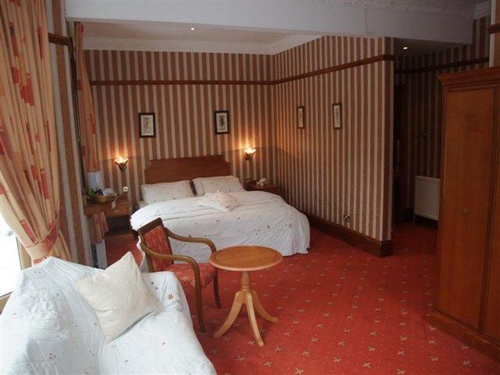 Harefield Manor Hotel Suite