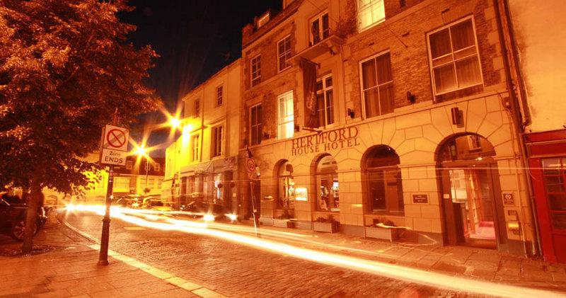 Hertford House Hotel Set udefra