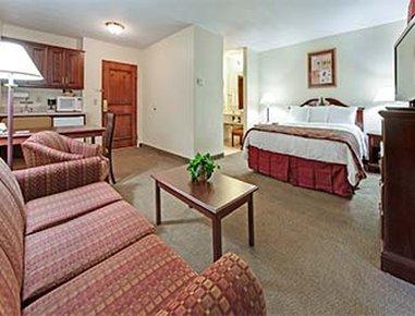 Hawthorn Suites Seville - Seville, OH
