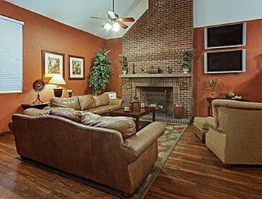 Hawthorn Suites by Wyndham Greenville - Lobby