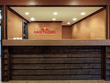Hawthorn Suites by Wyndham Greenville - Front Desk
