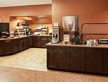Hawthorn Suites by Wyndham Greenville - Breakfast Setup