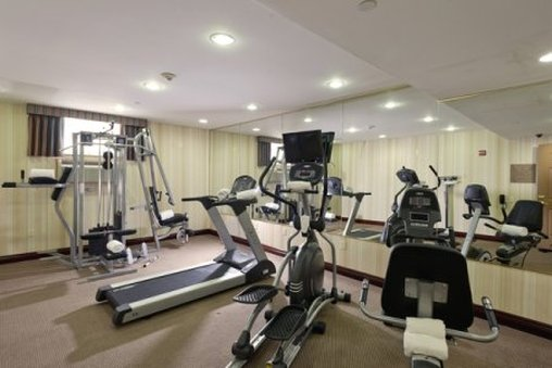 Country Inn & Suites By Carlson, New York City in Queens Fitness-klubb